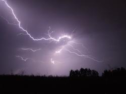 lightning-342341_1920.jpg