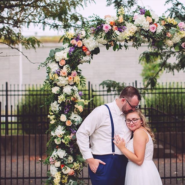 McKenzie and TJ are incredibly crazy about each other and their wedding was perfect 🥰😍😘 . So thankful to @trentandkendra for filling in for me while I'm still recovering from shoulder surgery 😘😘😘 . . . . . . . . #therefinery #mjtj2019 #wedding2019 #floral #floralarch #wedding #louisville #louisvilleweddingphotographer #weddingstyle #louisvillewedding #jeffersonvilleindiana #theknotweddings #lexingtonweddingphotographer #denverweddingphotographer #weddingphotography #newlyweds #christydawnphoto #travelingphotographer #kentuckywedding #nashvilleweddingphotographer