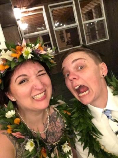 wedding selfie hawaii