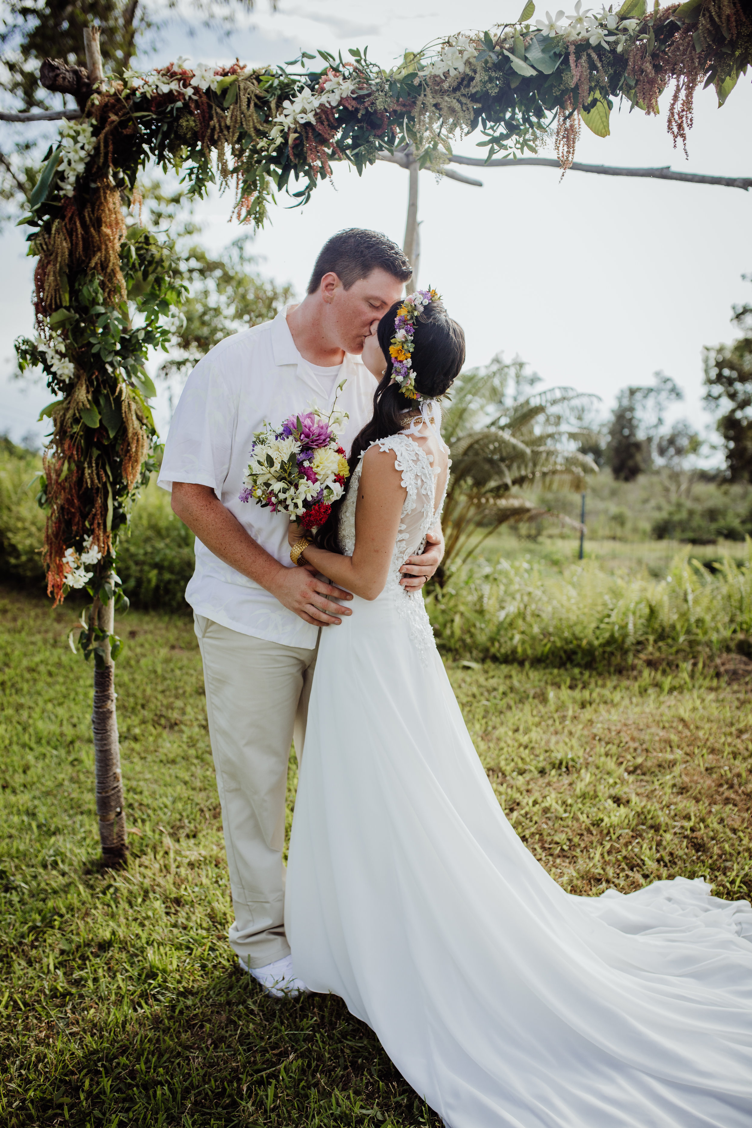 hawaii wildflowers wedding