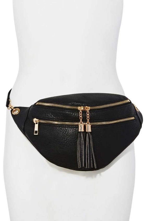 - Fanny Packs - These are no longer for kids or visiting theme parks fanny packs have evolved into a major fashion trend. So many companies from sportswear apparel to luxury wear are following suit and creating compact yet stylish fanny packs.