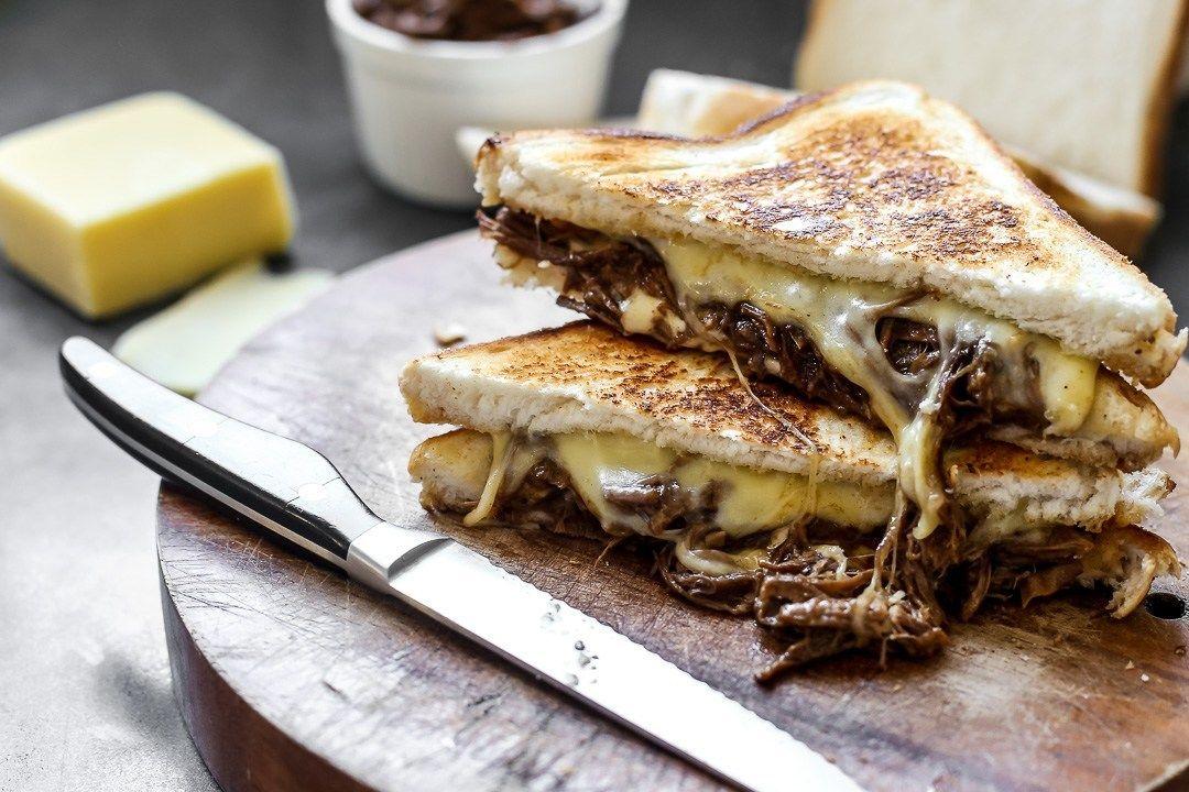 Brisket-Grilled-Cheese-Wide_zzdacy.jpg