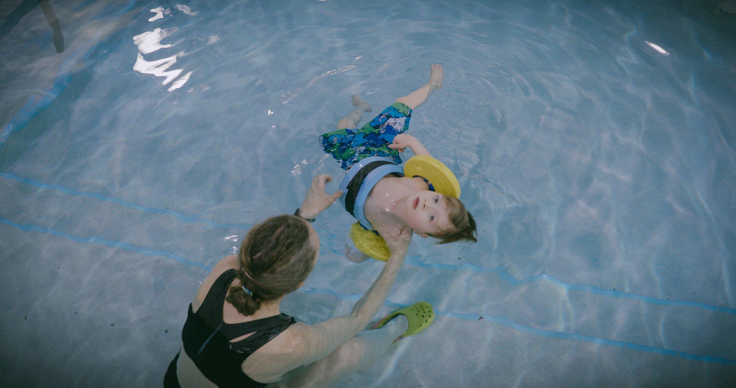 Lleyton in Pool.jpg