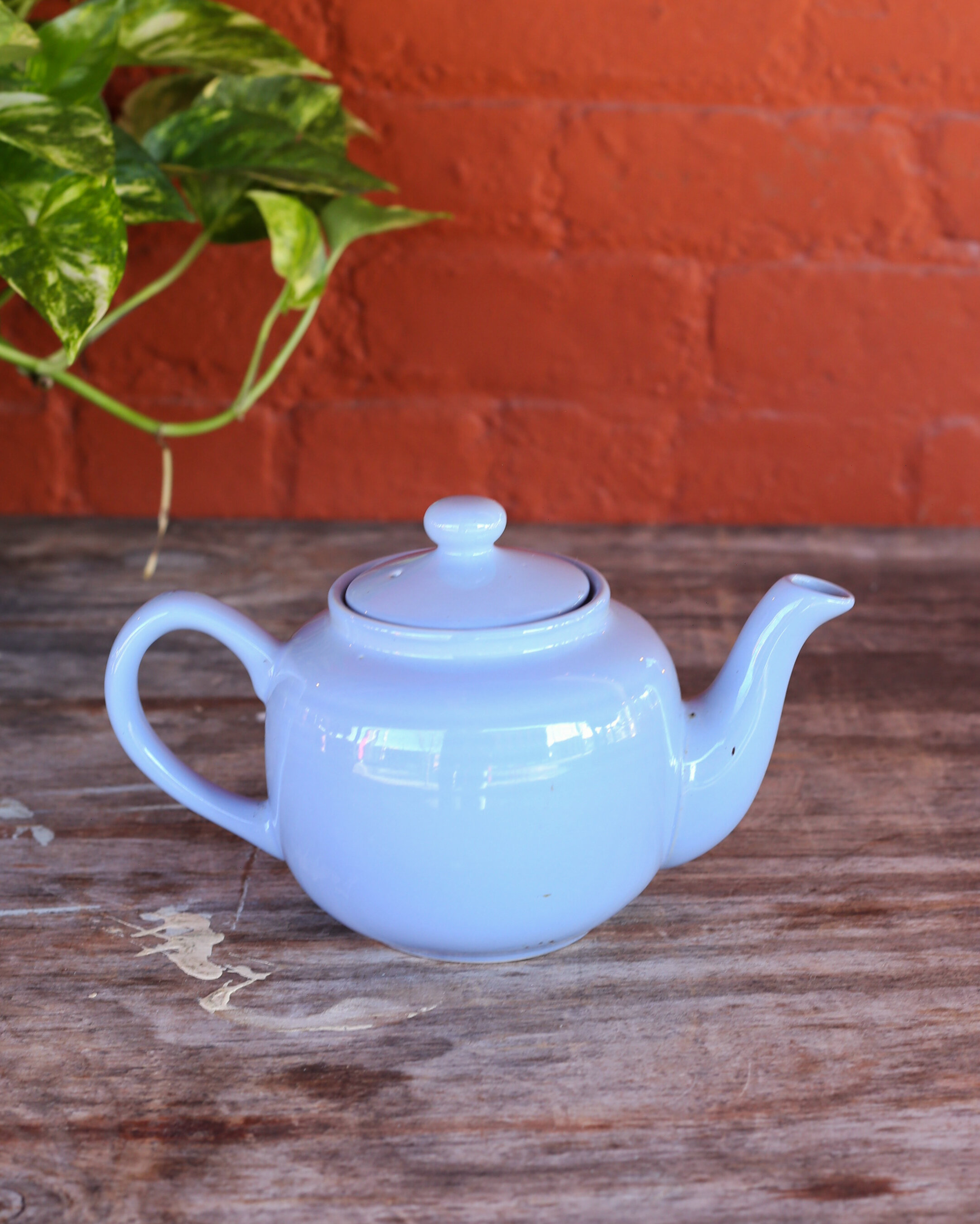 Assorted Vintage Ceramic Teapots Kitchen Bar Ruinous Revived