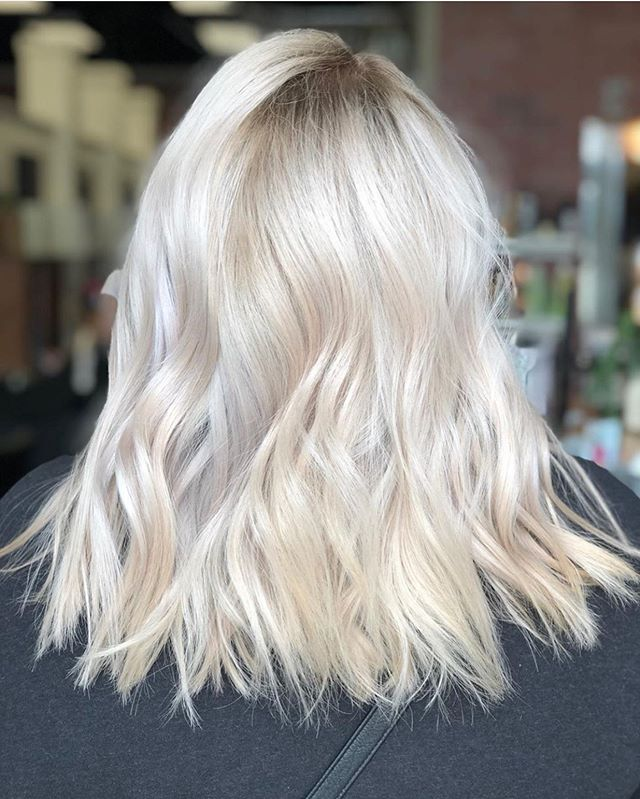 Our newest stylist @starmschutt absolutely rocked this blonde! Be sure to check her page out 😻💕
