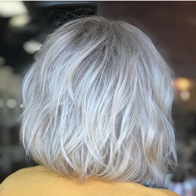 ICY 🥶 Blonde by @beautyby_star_ on our beautiful owner @locksbylizsparks  #blonde #icyblonde #blondehighlights #level10blonde #redkenshadeseq #highlighters