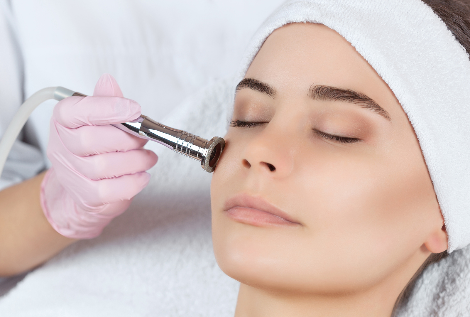 "PORE REFINING MICRODERMABRASION - Suitable for: All skin types, open pores, dry skin, sun damage, ageing, fine lines and wrinkles.Duration: 40 minCost: $155Suggested treatment intervals: 3-6 weekly depending on the skin typeDowntime: zero-minimalAnyone and everyone will benefit from this smoothing, hydrating and rejuvenating Treatment. A great skin pick-me-up before a special event!Microdermabrasion uses diamond tip technology and suction to gently but effectively exfoliate the skin. The pain-free treatment removes dead skin to reveal a smoother and brighter skin quality and improved overall texture whilst minimising open pores.Considered a ""lunch time"" treatment, this facial incorporates our signature Ultrasonophoresis deep cleanse preparing the skin for extractions (removal of unwanted blackheads and whiteheads).A purifying and detoxifying mask and our famous Multi Vitamin infusion to calm, restore and hydrate offers the ultimate finish!Suggested homecare products: Ultimate A Refining Serum, Ultra Smoothing Pore Refiner, Ultimate Bio Repair Moisturiser"