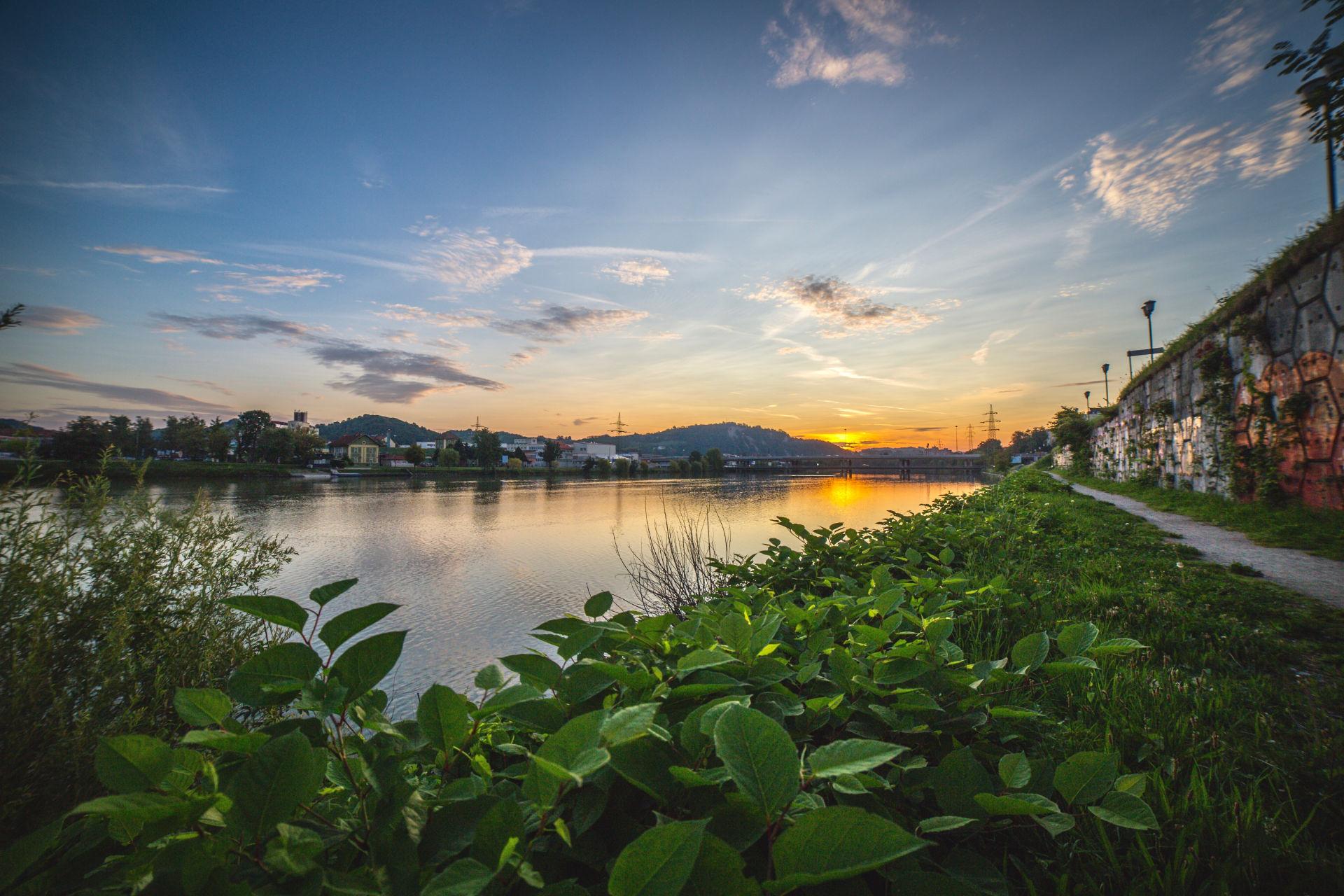Jutro ob Dravi   Canon 5D; Samyang lens; avgust 2017