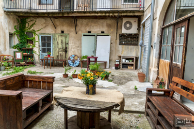 Smetka_jul2018_courtyard_6.jpg