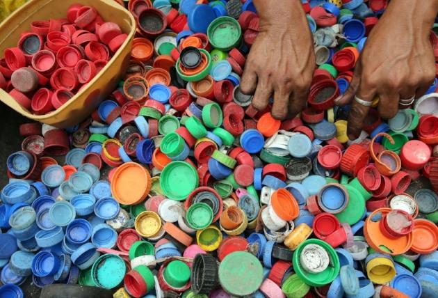 bottle-caps-bright-close-up
