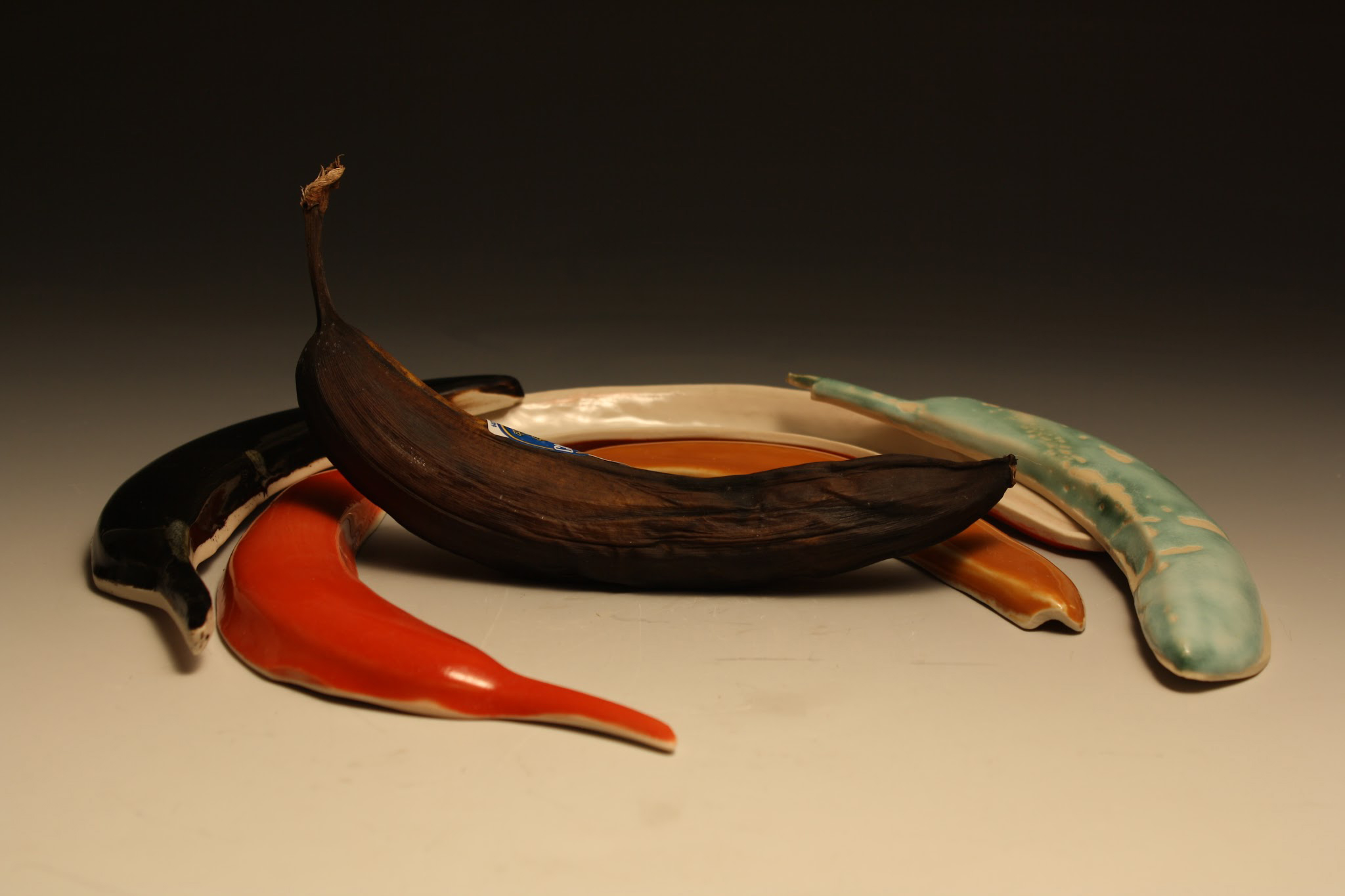 Slipcasted bananas   Slip, glaze. 2016.