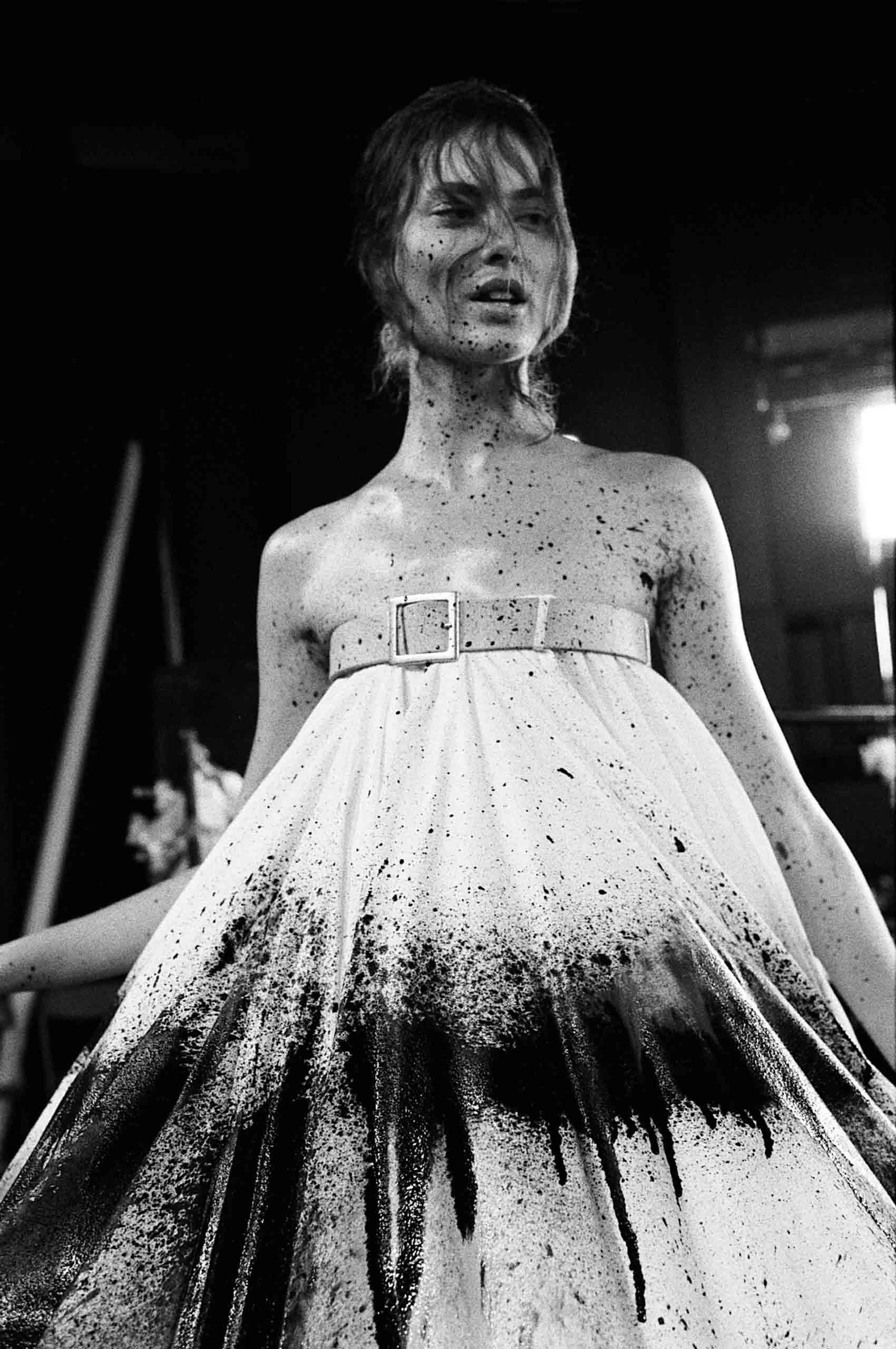 安·雷,《疯狂II》,伦敦,1998年。图片由艺术家提供。