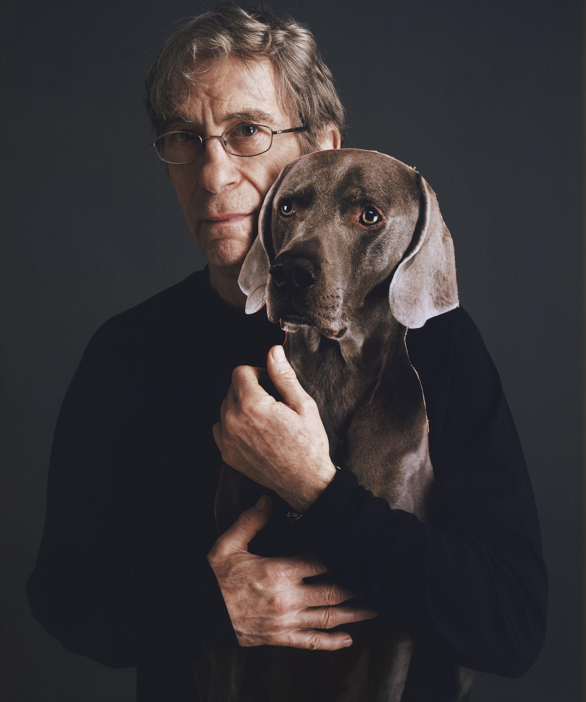 威廉·魏格曼和他的狗罗宾  © 提姆·曼托阿尼