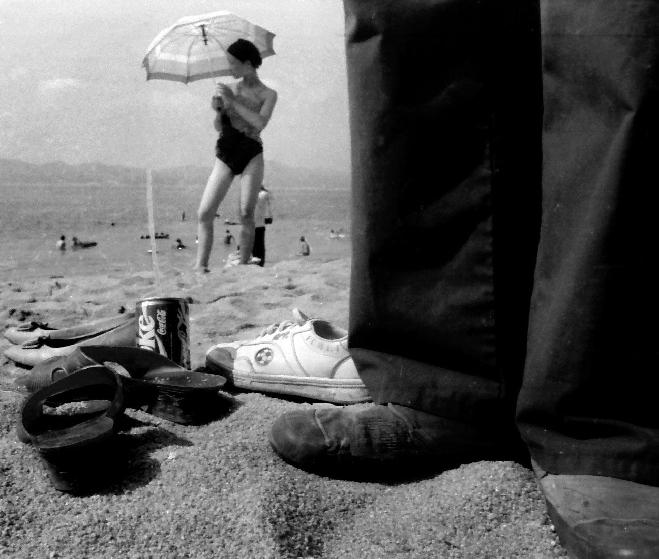 焦红辉,《海滩》,厦门鼓浪屿,1987年。无酸纸微喷