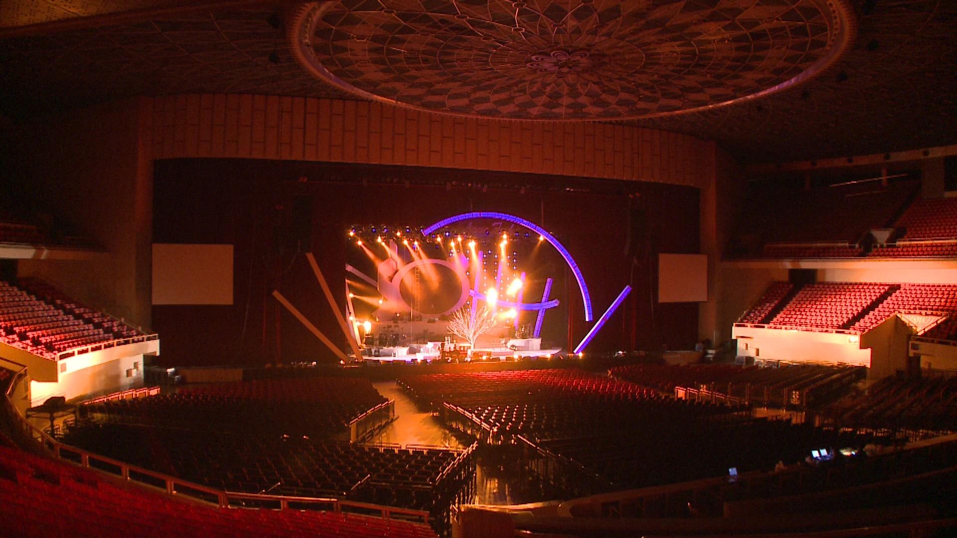 许家维,《3月14日,香港体育馆》,视频装置,2009年。图片由艺术家提供。