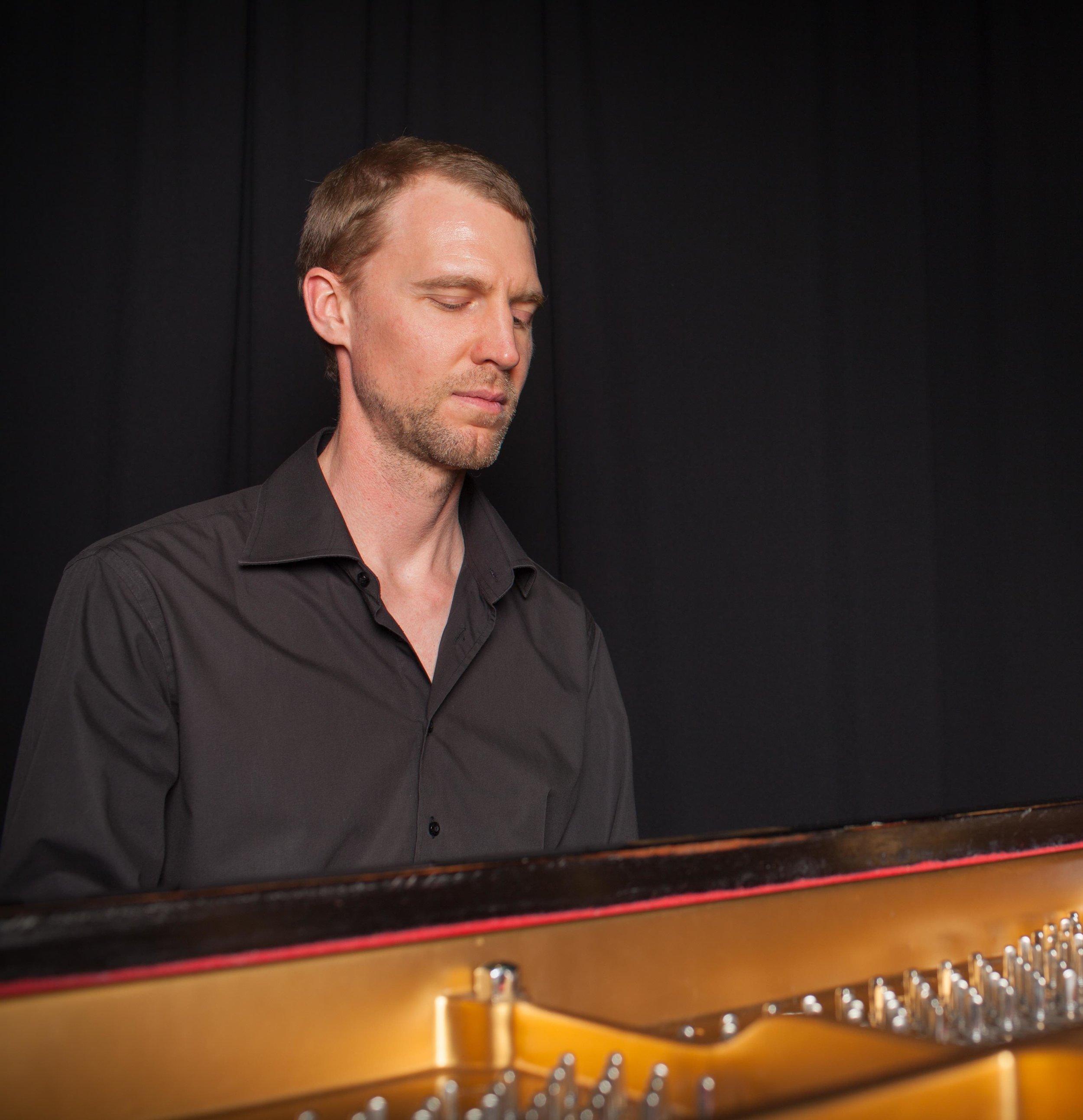 Jeremy Woolhouse jazz pianist