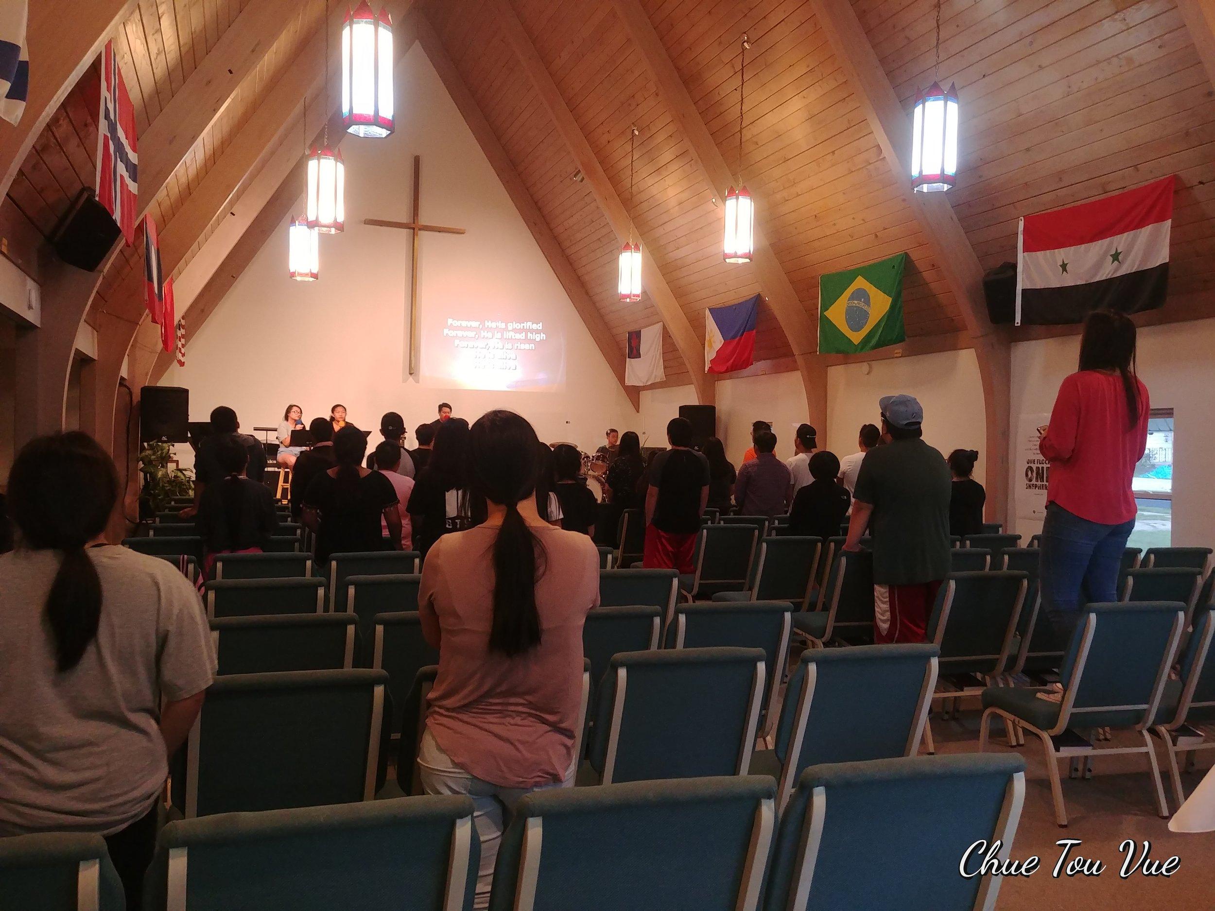 Singing together to glorify God