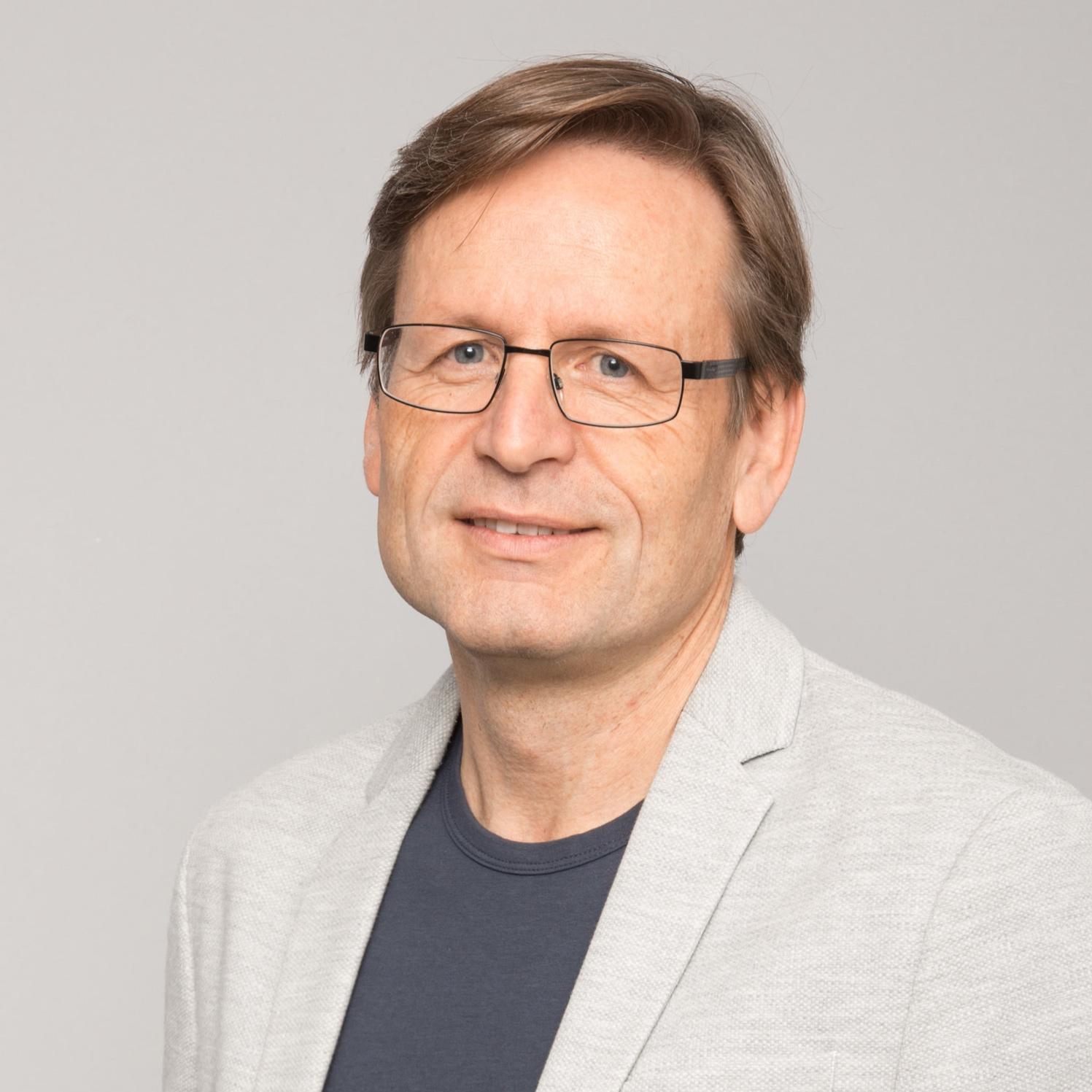 Helmut+Kuhn.jpg