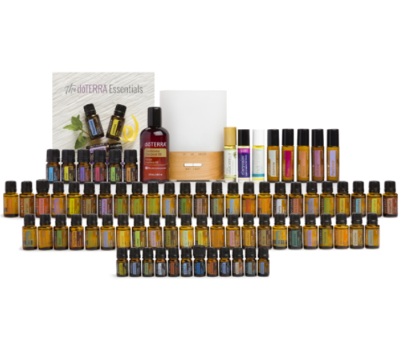 Essential oil collection kit €2,185 - ESSENTIAL OILS: (15 ml each)Arborvitae (5 ml)BasilBergamotBlack Pepper (5 ml)Blue Tansy (5 ml)Cardamom (5 ml)CassiaCedarwoodCilantroCinnamon Bark (5 ml)Clary SageCloveCopaibaCorianderCypressEucalyptusFennelFractionated Coconut Oil (115 ml)FrankincenseGeraniumGingerGrapefruitHelichrysum (5 ml)dōTERRA Jasmine Touch (10 ml)Juniper Berry (5 ml)LavenderLemonLemongrassLimeMarjoramMelaleucaMelissa (5 ml)MyrrhdōTERRA Neroli Touch (10 ml)OreganoPatchouliPeppermintPetitgrainRoman Chamomile (5 ml)and more ➡️