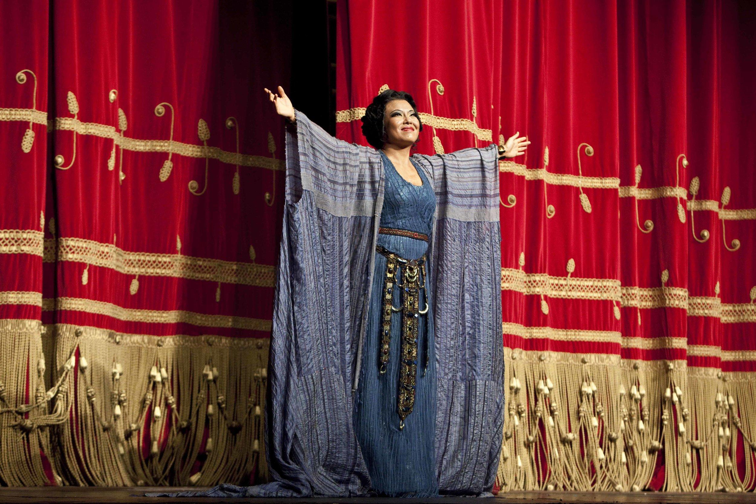 Curtain calls for Aida, La Scala 2013 (Photo:Marco Bravi, hehuisoprano.com)