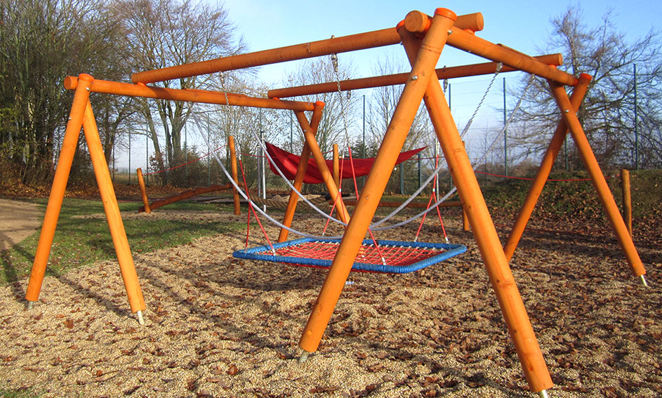 timber play - swings