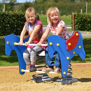 Foal springer for two children