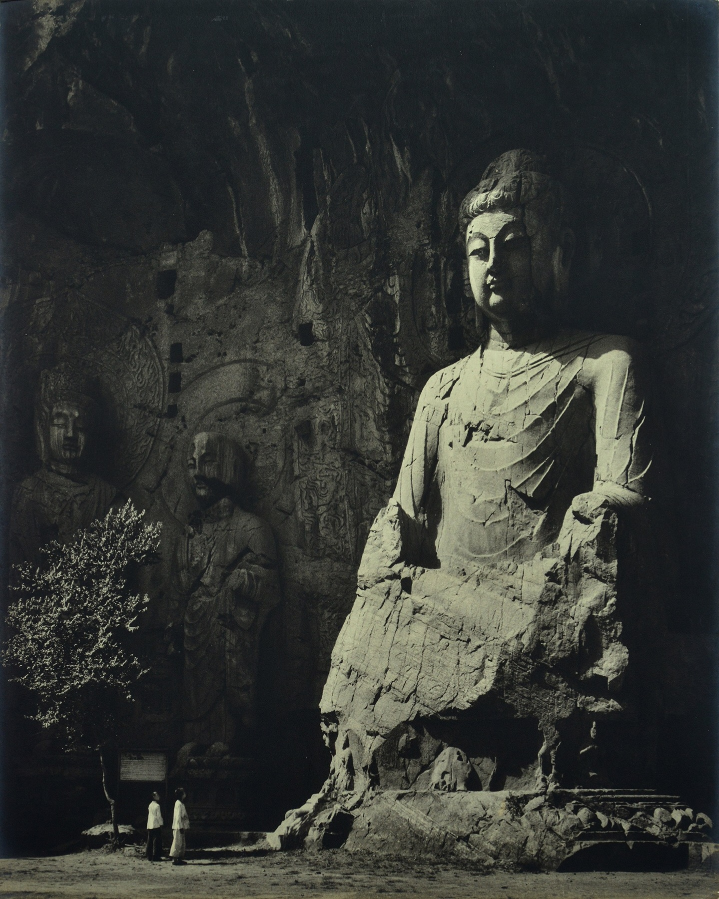 Xue Zijiang, Stone Buddha in Longmen