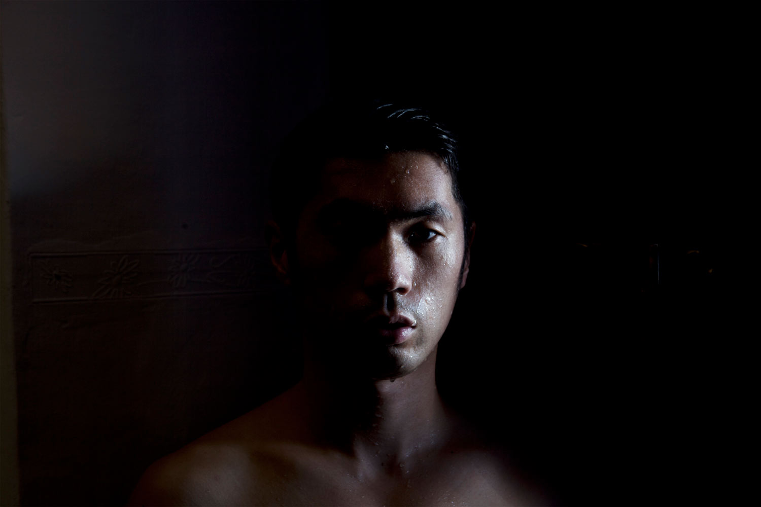 Shen Wei,  Self-portrait (Cusco #2) , 2013. Archival Pigment Print. © Courtesy of the artist and Flowers Gallery (London/New York).