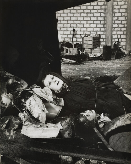 Lucien Clergue,  The Rag-picker's Mannequins , Arles, 1956. Courtesy of the Atelier Lucien Clergue and Saif 2019.