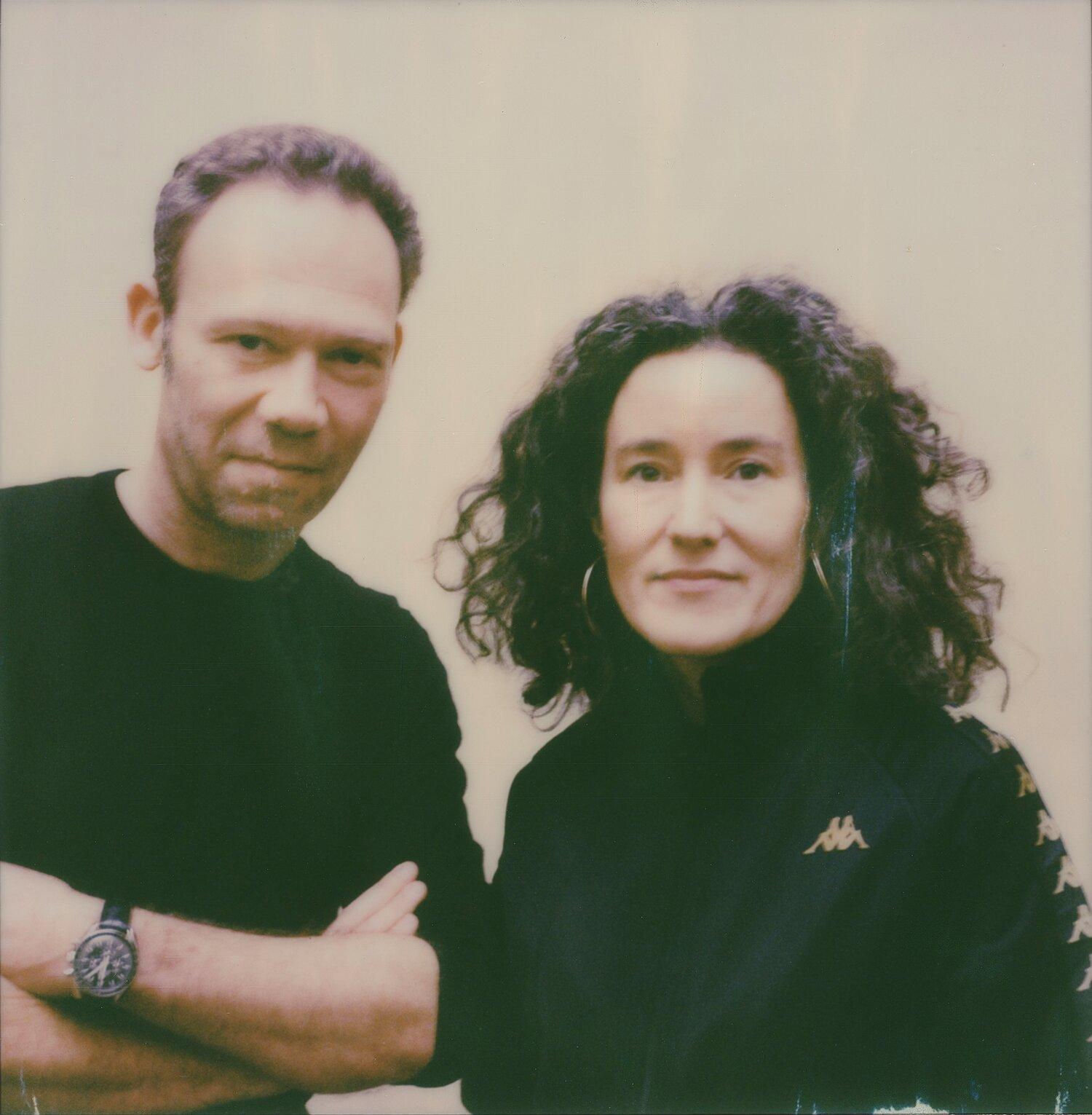 Portrait of Emmanuelle Halkin and Lee Shulman ©️ Léa L'Azou