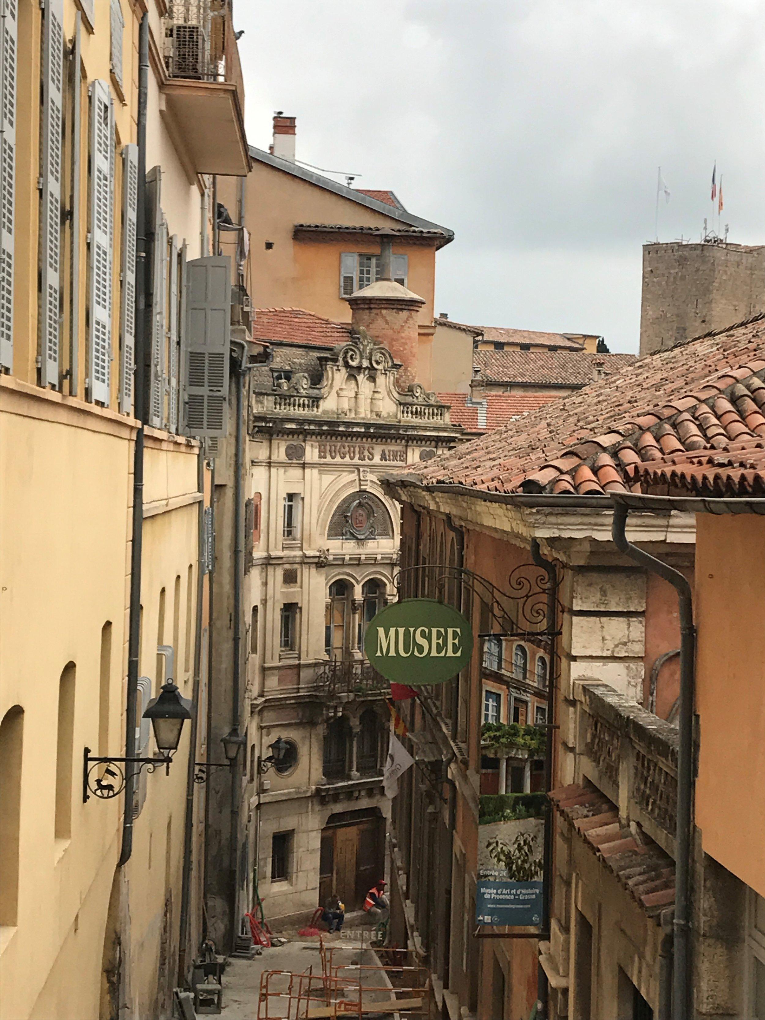 provence-buildings-rooftops-musee-windows.jpg