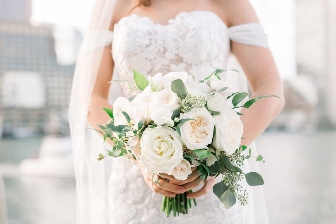 waterfront-wedding-flowers-by-lesfleurs (4).jpg