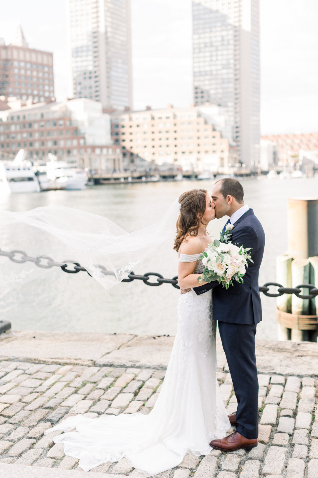 waterfront-wedding-flowers-by-lesfleurs (26).jpg