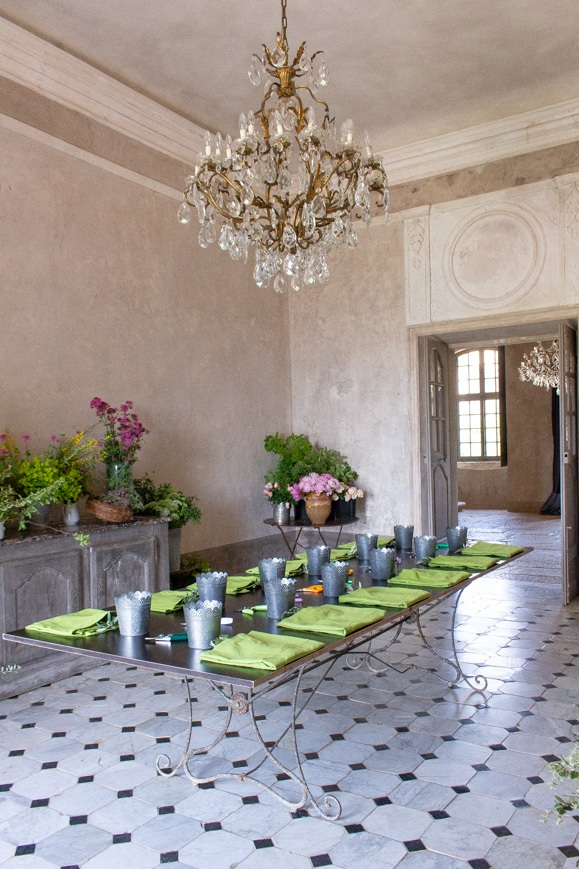 Flower-arranging-class-MFCH-Provence-Tour.jpg