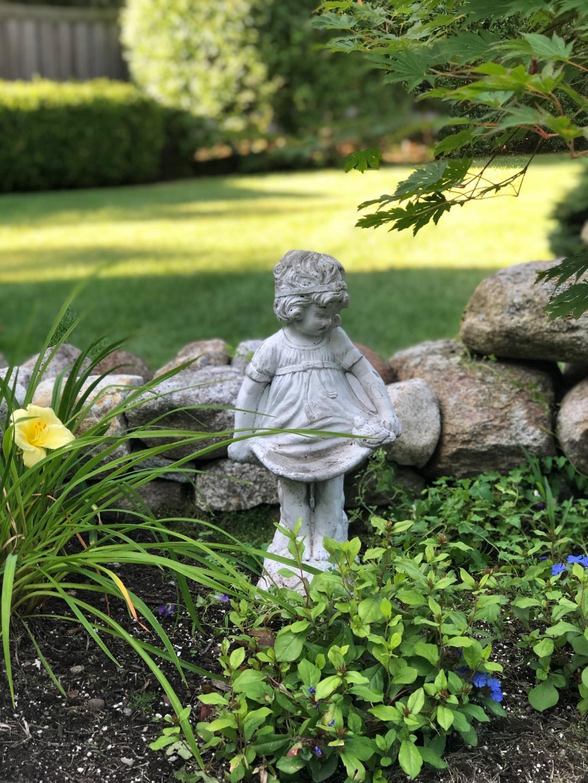 seacoast-garden-inspiration-french-girl-statue.jpg