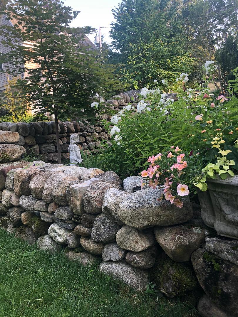 seacoast-garden-inspiration-rock-wall.jpg