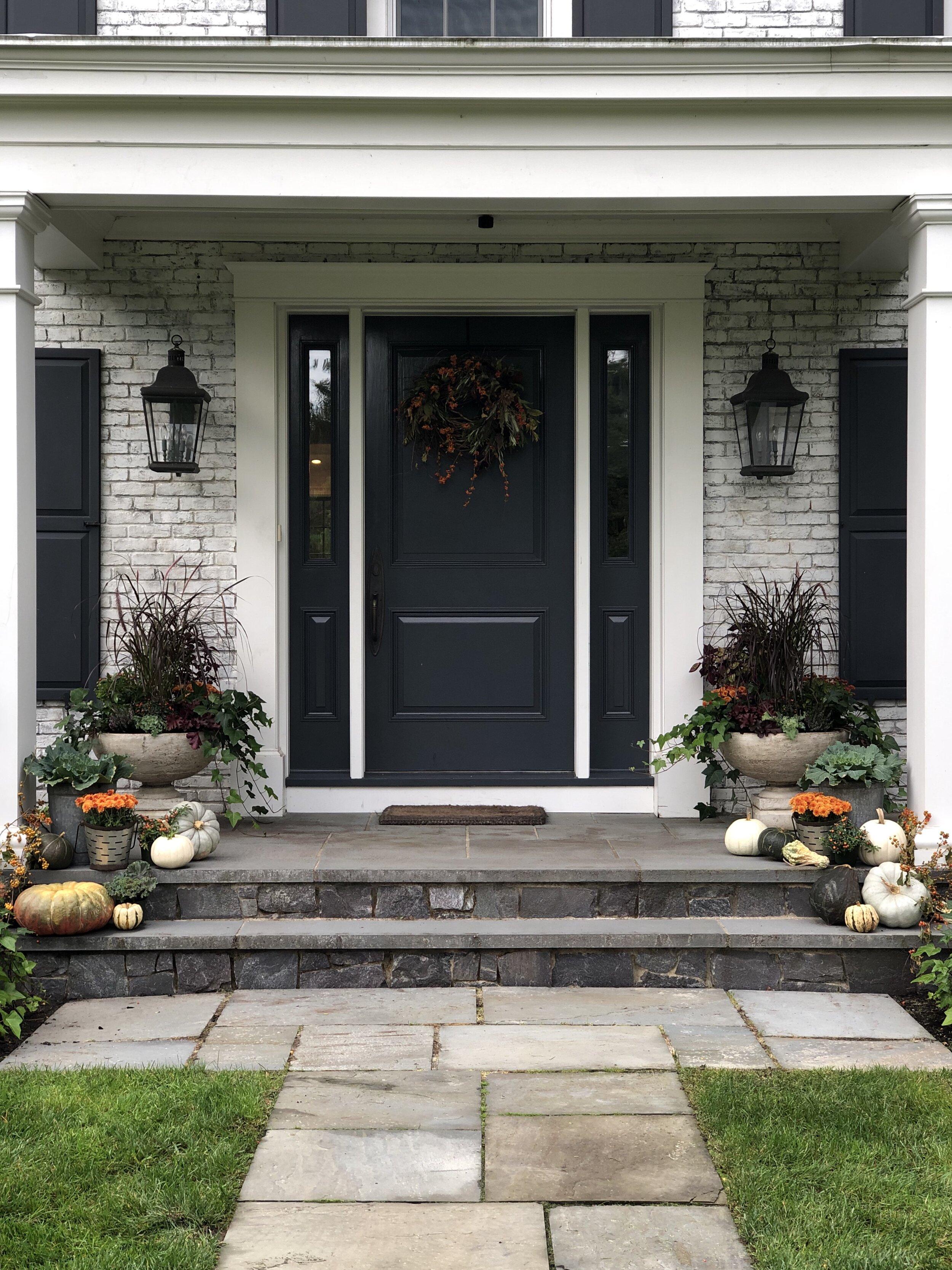 fall-decor-front-doorway-sandra (2).jpg