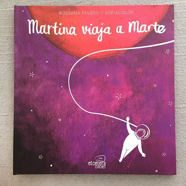 It's here!! The book I illustrated is finally here! It's a story by @rossanakarunaratna about a girl named Martina who has a dream: going to Mars! Thank you @etceteraeditores and my lovely friend @moska_mm who suggested me for creating a world for Martina :)