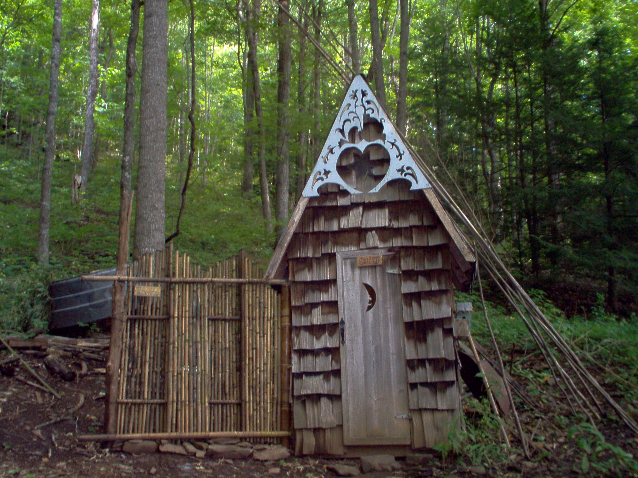 2004 outhouse.JPG