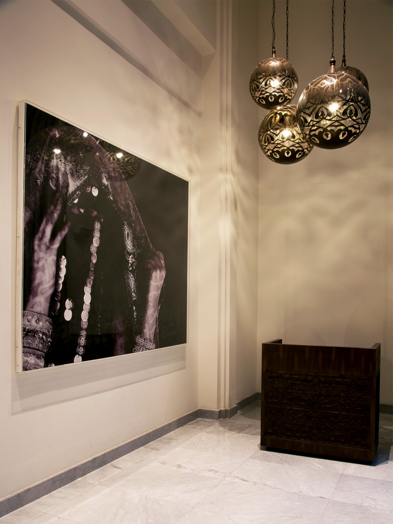 08-capsule-arts-projects-al-manzil-downtown-lobby.jpg