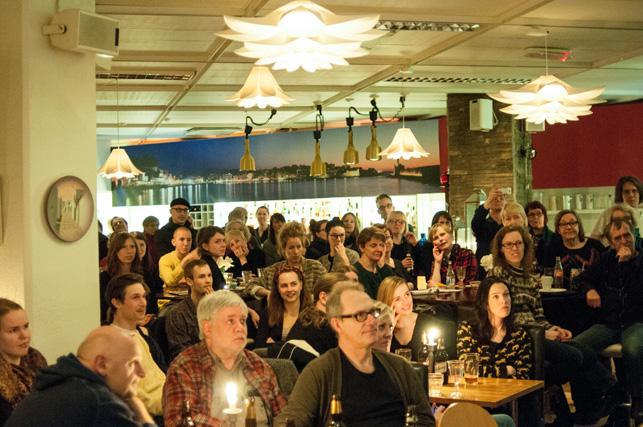 Loe, Janne, CJ och andra lyssnar (Foto Bjarte Edvardsen).jpg