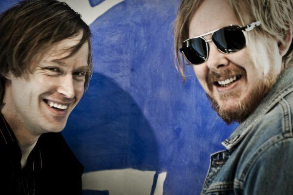 Dennis Lyxzén och Mattias Alkberg.jpg