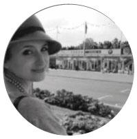 Lisa  Senior Designer