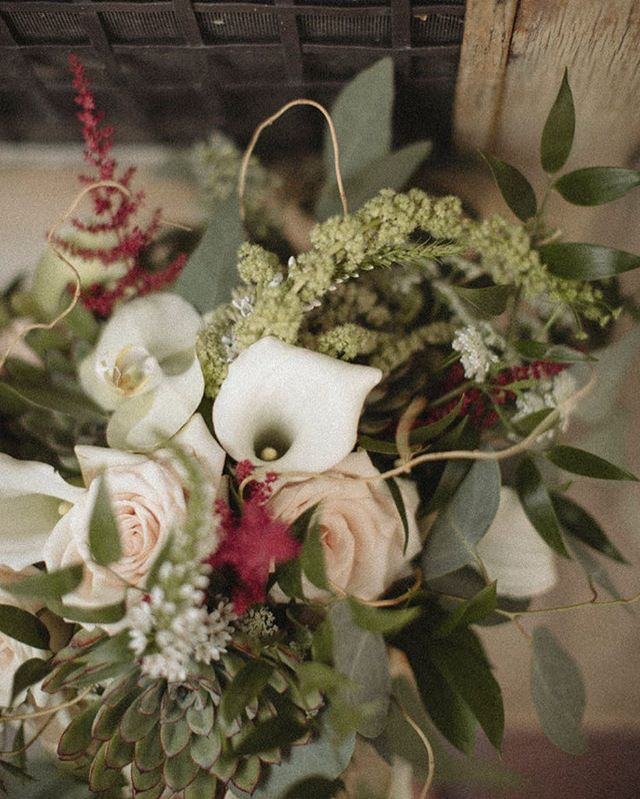 For your Wednesday 🧡 #weddingseason #florals #weddingflorals #beanandcole