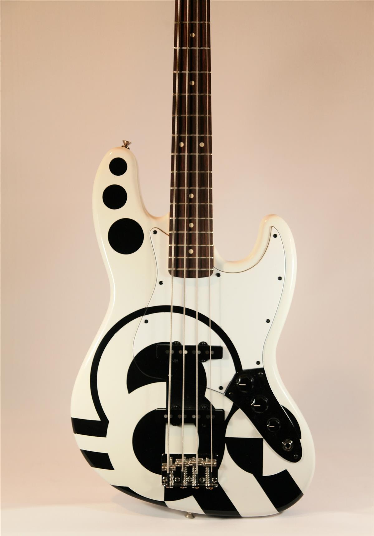 """Fender """"Art Deco"""" P Bass"""