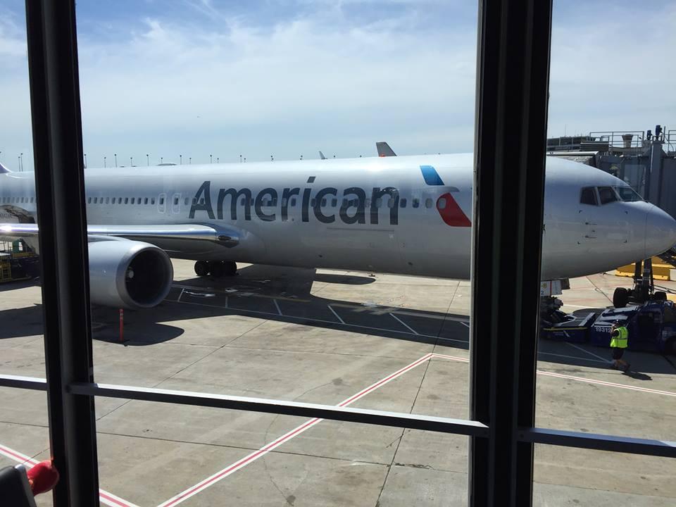 larry-leaving-on-american-airlines.jpg