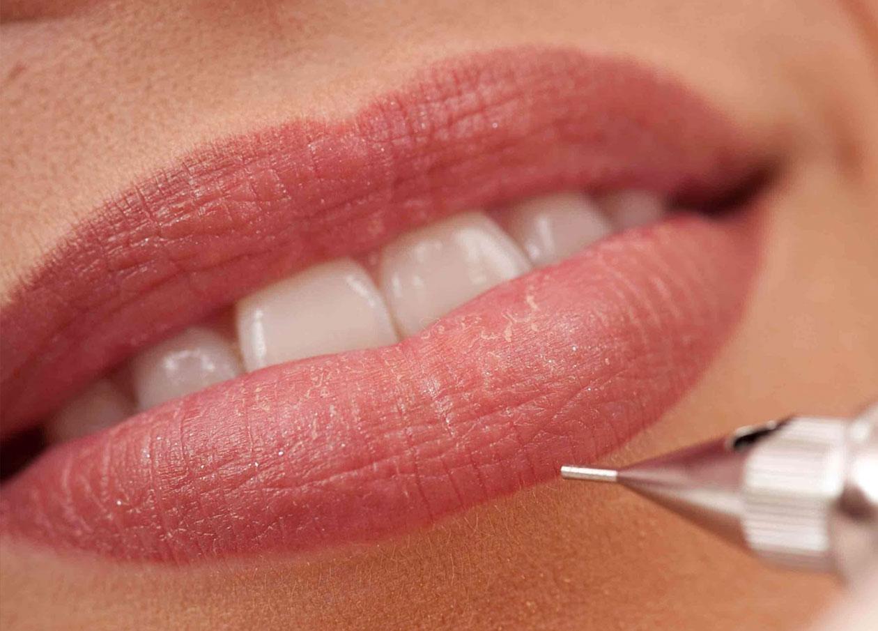 makup-lips.jpg