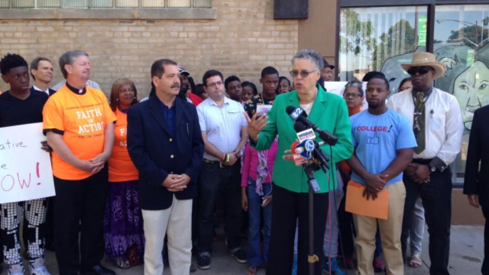 Preckwinkle, Garcia push Emanuel on federal court oversight of police reform - Chicago Tribune