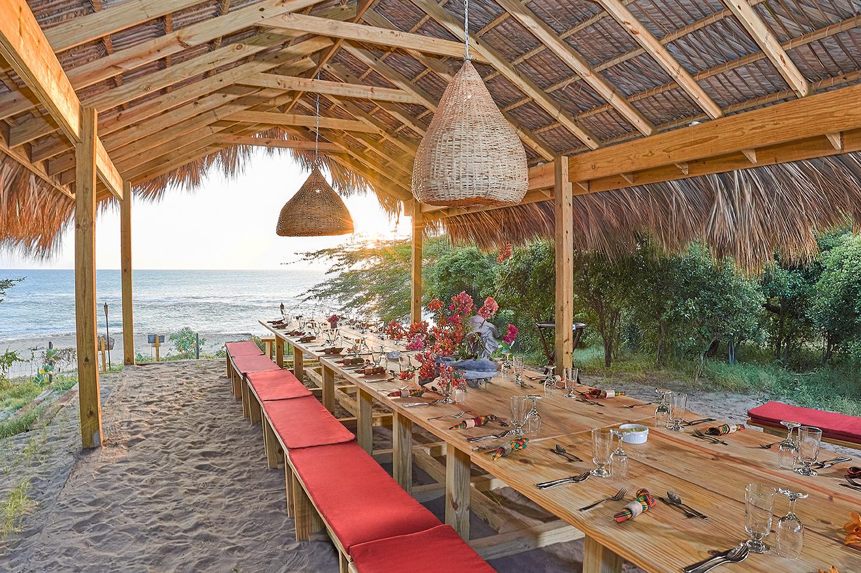 Seaside-table-setting-Jakes.jpg
