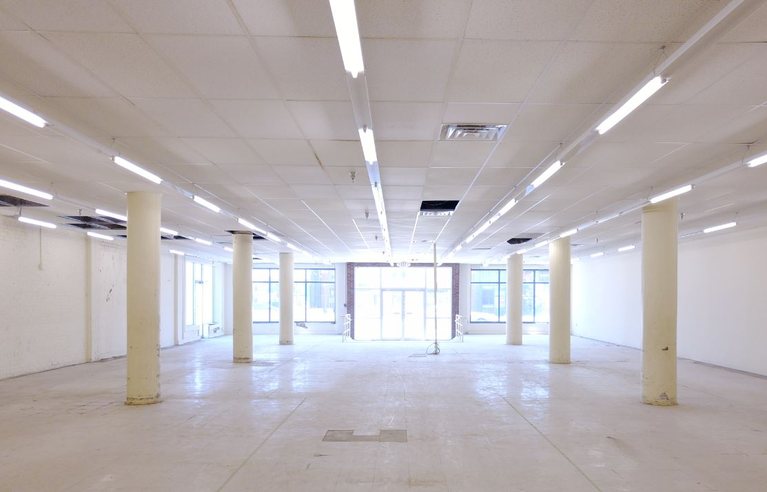 Open floor plates with lots of natural light